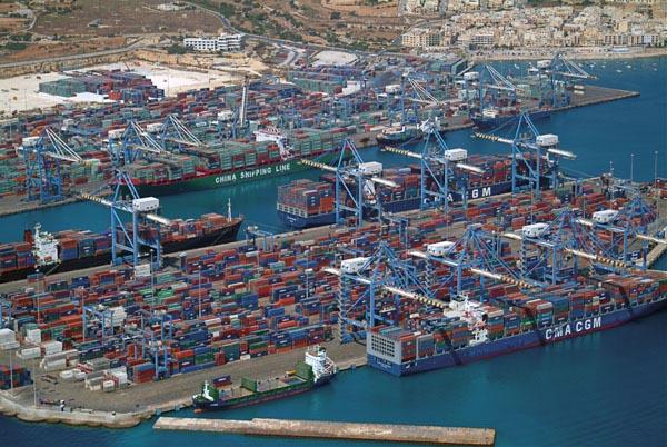 Tecnologia italiana per la logistica portuale maltese
