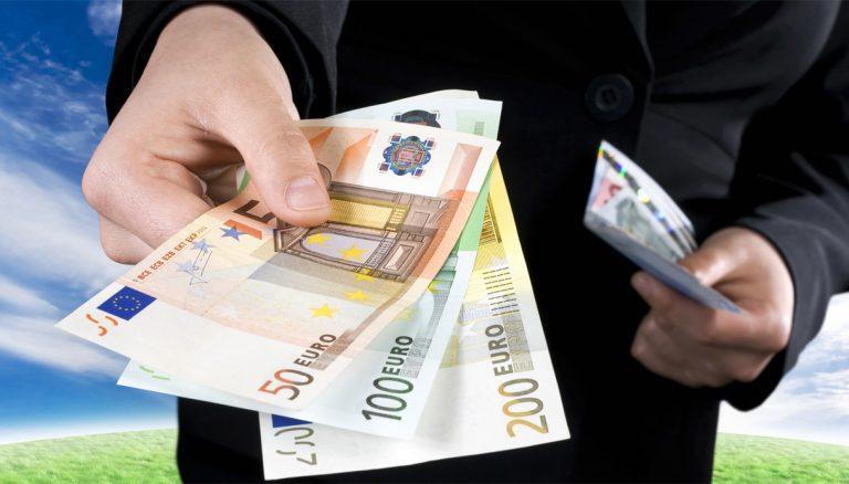 Stop ai contanti oltre i 10 mila euro di spesa