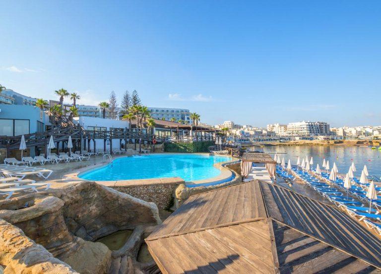 """Malta """"paga"""" i turisti: fino a 200 euro per l'estate 2021"""