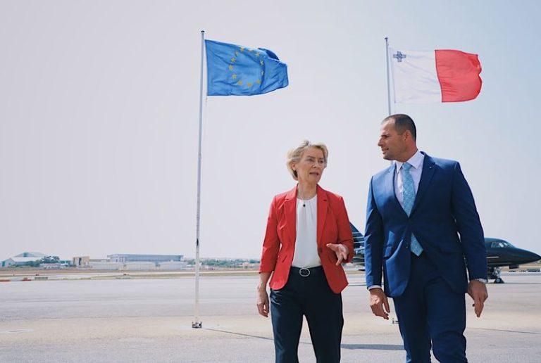 Von der Leyen promuove il recovery plan maltese